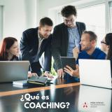 """El coaching es una metodología poderosa a través de la cual es posible ayudar a otra persona a desempeñarse hasta lo más alto de sus capacidades. Se puede decir que a través del coaching se busca cumplir tres principales objetivos: · Promover una mayor consciencia en las relaciones y habilidades interpersonales. · Enfatizar la importancia de un cambio generativo y no solamente correctivo de las conductas y capacidades del cliente. · Enfocar valores y creencias para convertir las metas en realidades útiles para él y su organización. Hay que evitar confusiones ya que el coaching no es: mentoría, terapia psicológica o consultoría, aunque tengan una interrelación, existen fronteras entre ellos. Un consultor es un experto en un tema y ofrece soluciones; un mentor es un modelo a seguir; un psicoterapeuta está relacionado con la salud mental y con las herramientas para obtenerla. Un coach es un acompañante que hace preguntas mediante las cuales logra un cambio personal del cliente para conseguir sus metas. Su trabajo es generar acciones diferentes y valiosas que lleven al cliente a desarrollar nuevas estrategias de pensar y actuar, orientándose en el futuro y no en el pasado. El coaching se enfoca en soluciones, más que en el problema. Particularmente, el coaching trata de alinear los objetivos del participante con los de su empresa. Coaching NO se trata de un proceso correctivo ni es un recurso para """"salvar casos insalvables""""; un coach no da consejos, ni soluciones mágicas; no sugiere ni recomienda y mucho menos juzga al empresario. Sencillamente, el coach es un facilitador para que el cliente encuentre soluciones y sea mejor persona, tanto en el plano personal como en el profesional. Mens Venilia Honduras www.mensvenilia.hn"""